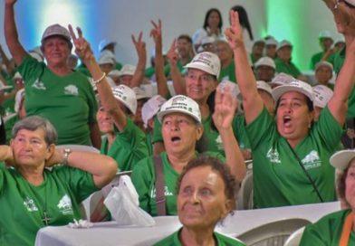 Más de 8.000 adultos mayores celebraron su mes irradiando vitalidad