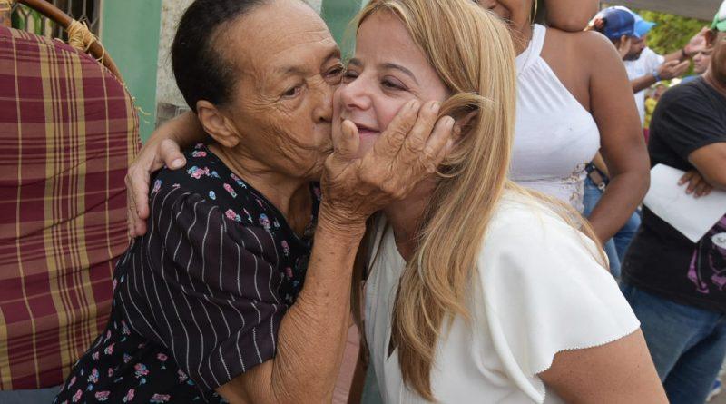 Elsa Noguera, lidera con un 70,5% la intencion de voto, según la última encuest