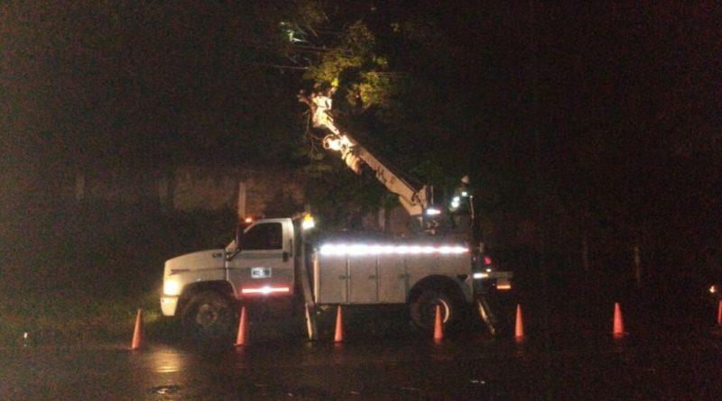 Electricaribe atiende daños  ocasionados por vendaval