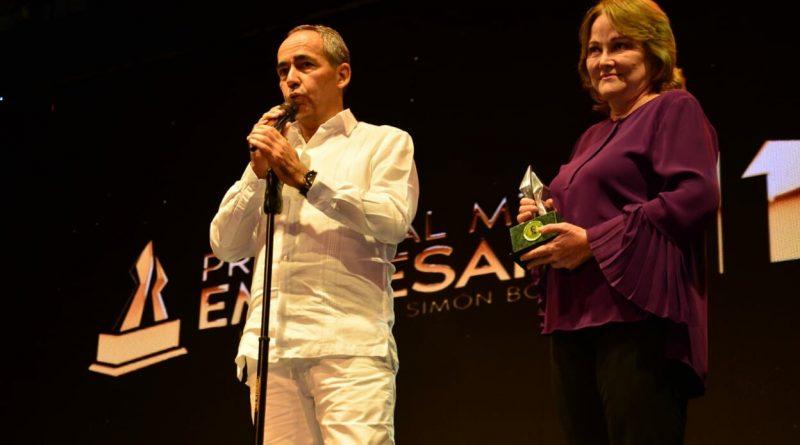Expreso Brasilia obtuvo dos Premios al Mérito Empresarial y el  Premio de Ecología Planeta  Planeta Azul